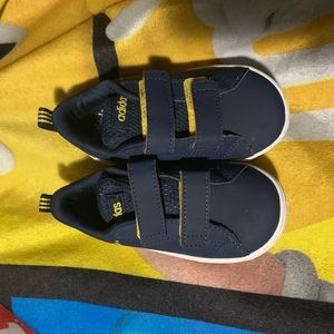 Boys Sneakers .. inside Soles are missing